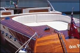 lidgard yacht design 32 ft retro style powerboat