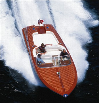 32 ft retro monohull powerboat designs by Lidgard Yacht Design modern,classic and retro power boat design